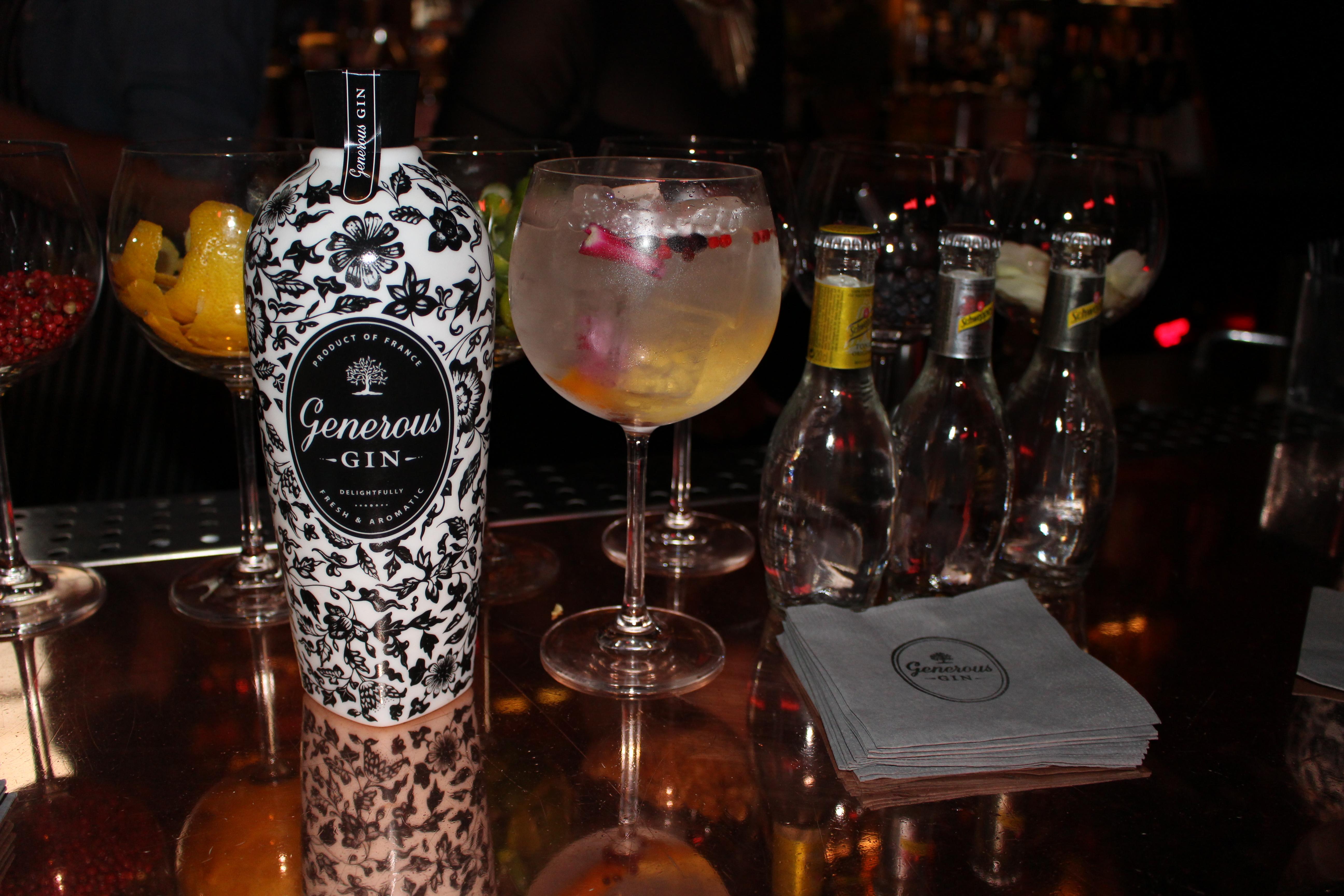 Generous Gin en compagnie de la gamme Schweppes Héritage