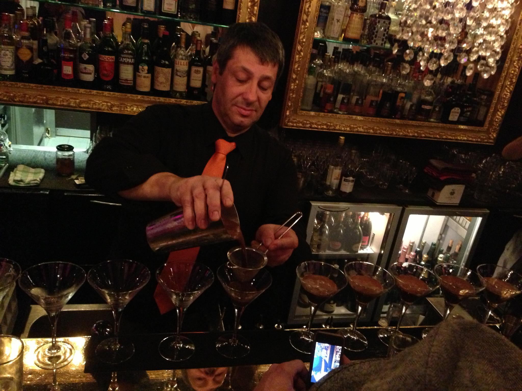 Bartenders at work by Infosbar : le CV express de Jean-Louis Hugonnet