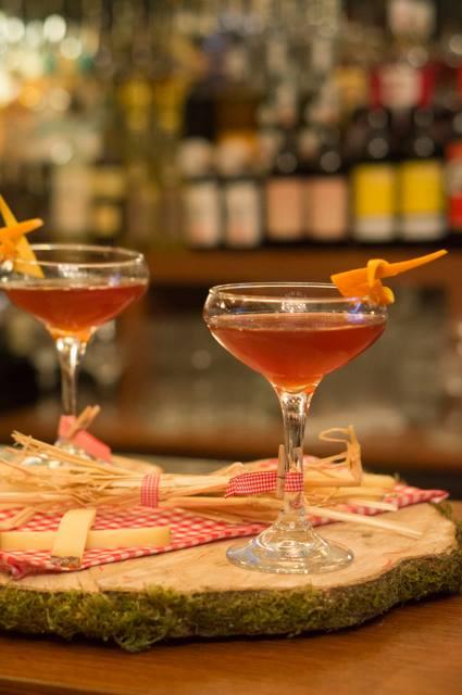 bartenders at work by infosbar   le cv express de gauthier