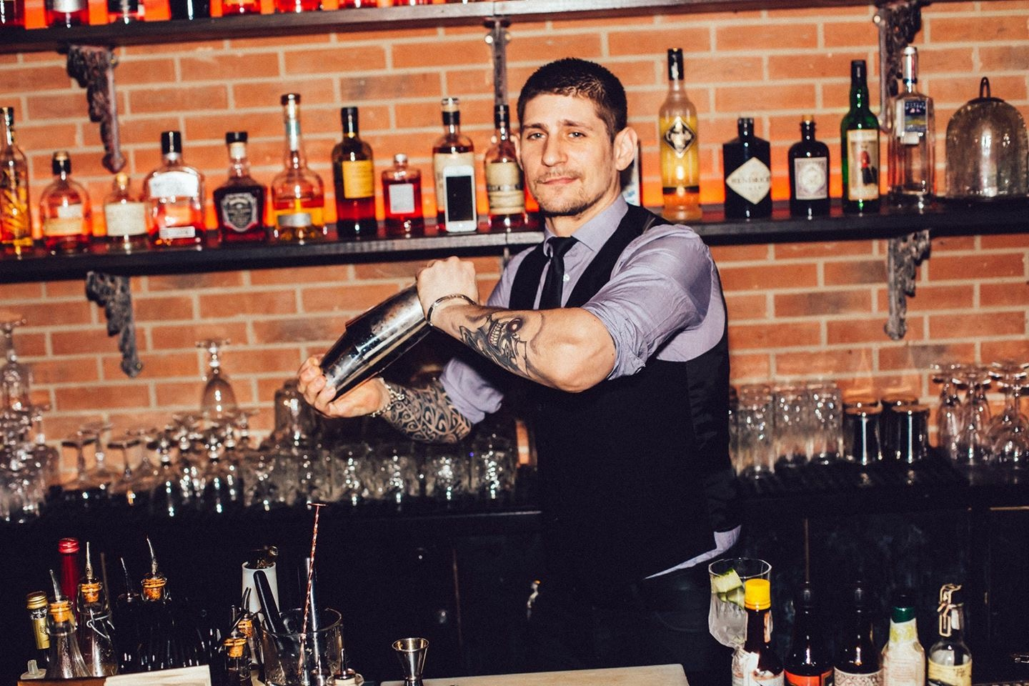 Bartenders at work by Infosbar : le CV express de Mark Bourguet