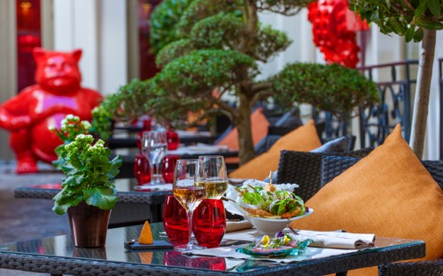Bubble Bar sur la terrasse du Buddha-Bar Hotel Paris