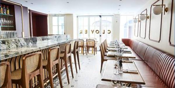 Le bar à cocktails du Clover Grill à Paris