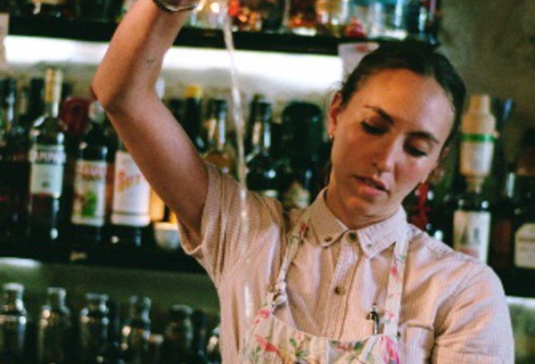 Bartenders at work by Infosbar : Le CV Express de Keila Urzaiz de Calignon