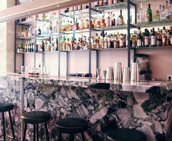 Bar Bisou à Paris : cocktails sur-mesure