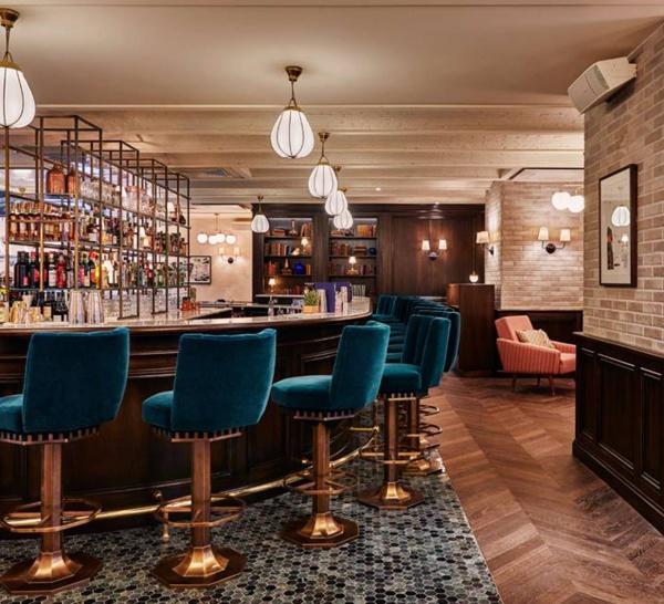 Le bar de l'Hôtel The Hoxton à Paris
