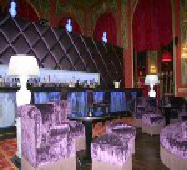 Nouveau concept : O2  sofa bar au casino Barrière de Deauville