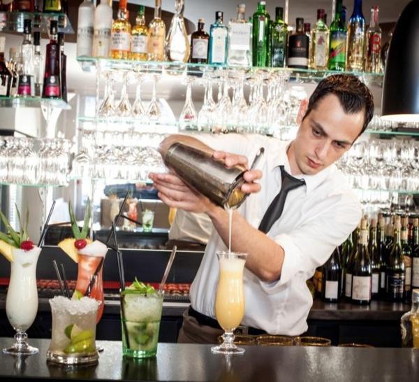 Bartenders at work by Infosbar : le CV express de Tonino Laurent