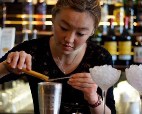 Bartenders at work by Infosbar : le CV express de Anaïs Teulier