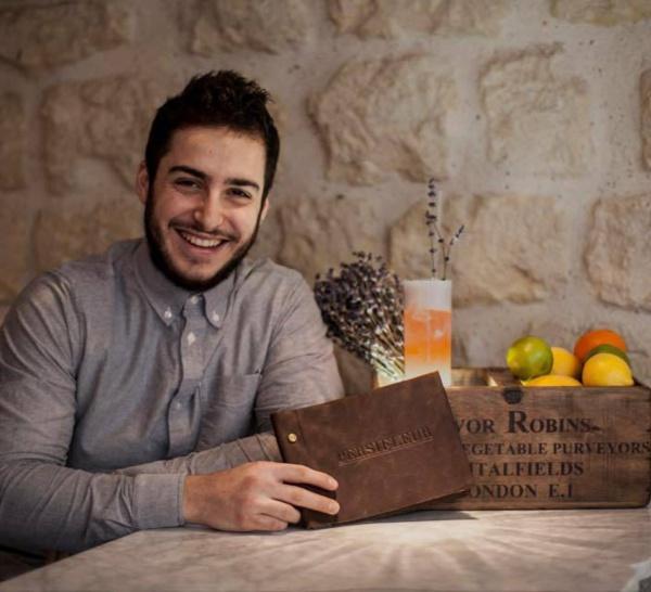 Bartenders at work by Infosbar : le CV express de Mickael Burg