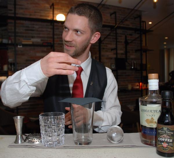 Bartenders at work by Infosbar : le CV express de Yoann Demeersseman