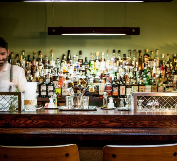 Bartenders at work by Infosbar : le CV express de Joseph Akhavan