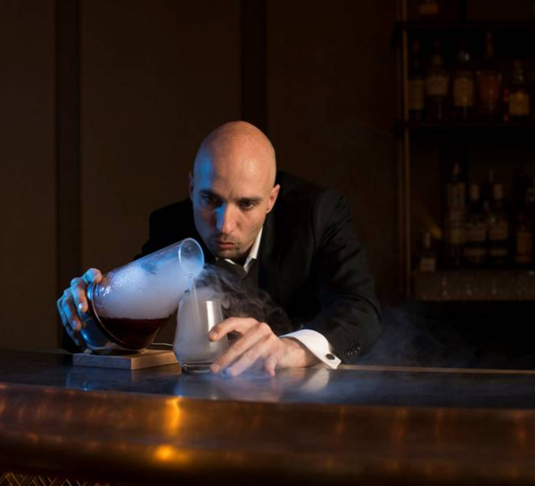 Bartenders at work by Infosbar : le CV express de Nader Chabanne