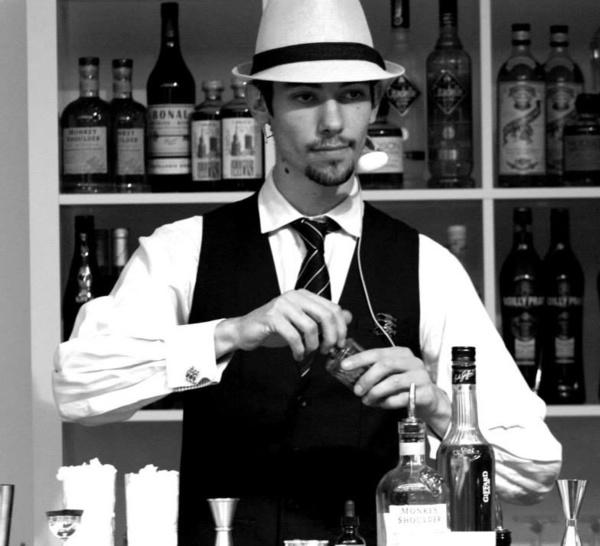 Bartenders at work by Infosbar : le CV express de Gabriel Desvallées