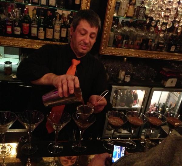 Bartenders at work by Infosbar : le CV express de Jean-Louis Hugonnet