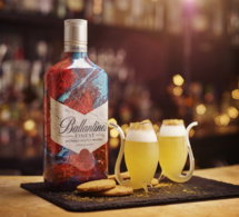"Cocktail ""Festive Sour"" by Ballantine's"