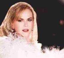 Swchweppes fait pétiller Nicole Kidman