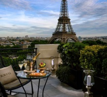 Prolongations pour le bar à ciel ouvert by Krug au Shangri-La Hotel Paris