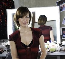 Milla Jovovich : nouvelle égérie du calendrier 2012 de Campari