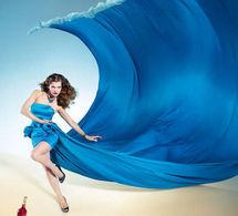 Scénario catastrophe pour Milla Jovovich dans le calendrier 2012 de Campari