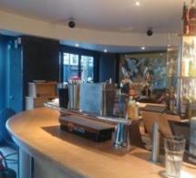 L'Endroit : le bar-restaurant des Batignolles fait peau neuve
