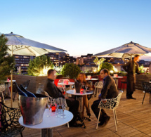 "Le ""114 up on the roof"" : la terrasse du bar panoramique du Courtyard by Marriott Paris Boulogne"