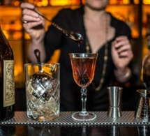 Le bar à cocktails du Moonshiner à Paris : retour vers le passé