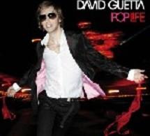 Première Mondiale ! Le DJ set 'VUELING flight' by David Guetta à bord d'un avion commercial