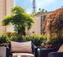 Terrasse du Shangri-La Hotel Paris : cocktails et soleil