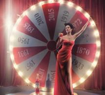 Campari présente son calendrier 2015 avec Eva Green