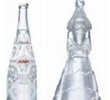 Bouteilles d'Evian 'prêt-à-porter' ou 'haute-couture' signées Christian Lacroix
