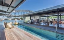 Le bar du OFF : le premier hôtel flottant de la capitale